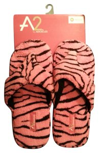 Aerosoles Pink and Black Sandals