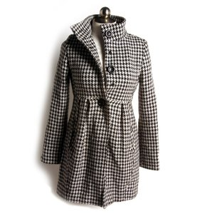 Bitten by Sarah Jessica Parker Houndstooth Trench Sjp Coat