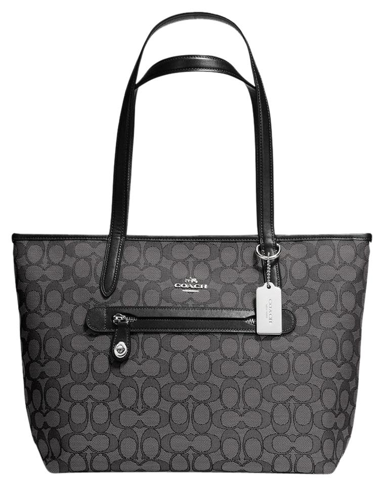 Beautiful brown signature and Coach Totes - Up to 70% off at Tradesy ... 1fe3761123fc8