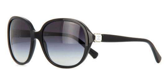 Chanel 5285 Signature Oval Square Round Enamel CC Logo Black White Polarized Image 3