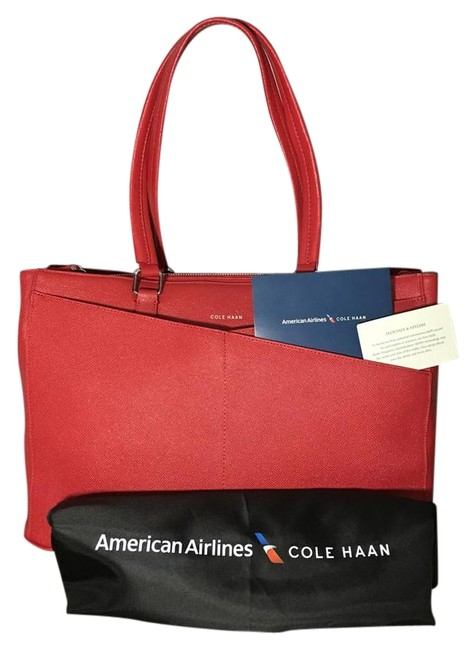 Item - Flight Attendant Exclusive Red Leather Tote