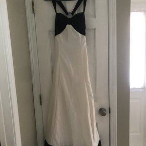 Jessica McClintock Black and White Satin Taffeta Feminine Bridesmaid/Mob Dress Size 6 (S)
