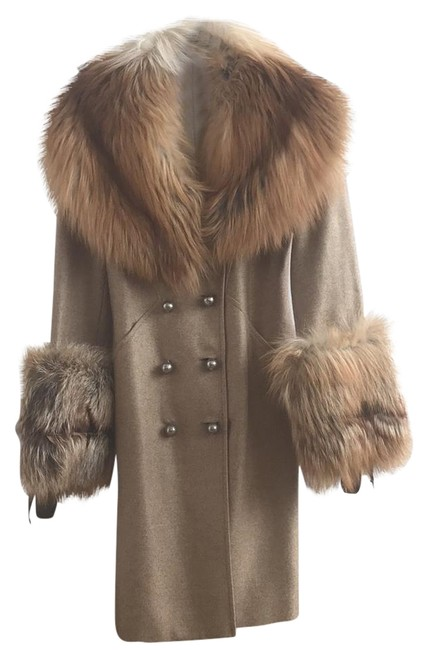 Item - Beige Fox Coat Size 2 (XS)
