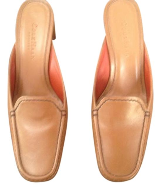 Item - Tan Country.d12477 J02 202896 Mules/Slides Size US 7 Regular (M, B)