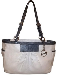 71316f049eea Coach Refurbished Leather Lined Tote in Cream and Gray