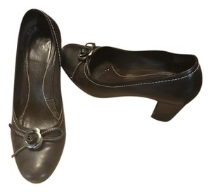 Vero Cuoio Leather Dark Chocolate Pumps