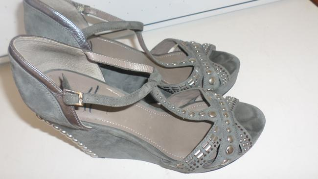 Vince Camuto Grey & Silver Women's Simonas Studded Sandals Wedges Size US 10 Regular (M, B) Vince Camuto Grey & Silver Women's Simonas Studded Sandals Wedges Size US 10 Regular (M, B) Image 2