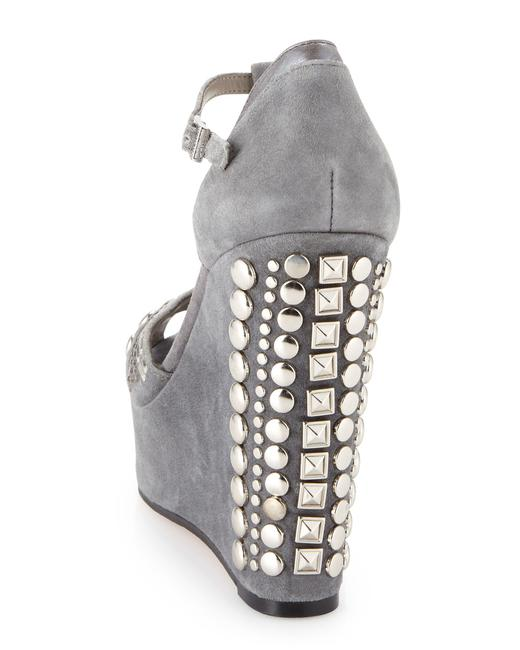 Vince Camuto Grey & Silver Women's Simonas Studded Sandals Wedges Size US 10 Regular (M, B) Vince Camuto Grey & Silver Women's Simonas Studded Sandals Wedges Size US 10 Regular (M, B) Image 4