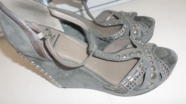 Vince Camuto Grey & Silver Women's Simonas Studded Sandals Wedges Size US 10 Regular (M, B) Vince Camuto Grey & Silver Women's Simonas Studded Sandals Wedges Size US 10 Regular (M, B) Image 6