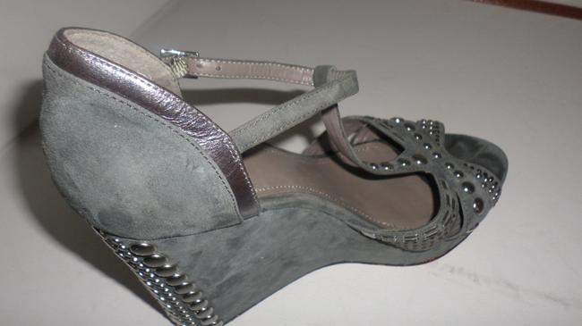 Vince Camuto Grey & Silver Women's Simonas Studded Sandals Wedges Size US 10 Regular (M, B) Vince Camuto Grey & Silver Women's Simonas Studded Sandals Wedges Size US 10 Regular (M, B) Image 7