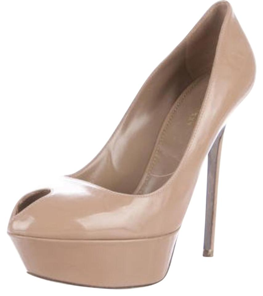 a82fe5622eb Sergio Rossi Nude Cachet Patent Leather Pumps Size US 8.5 Regular (M ...
