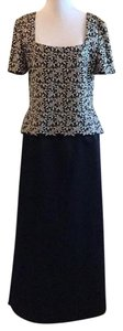 Victor Costa Embroidered Dryclean Only Rayon Polyester Knit Dress