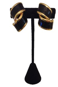 Accessory Lady Black and Gold Clip Earrings
