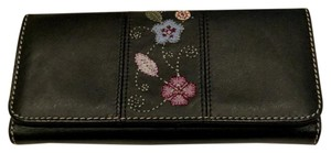 Liz Claiborne Genuine Leather Trifold w/ Applique
