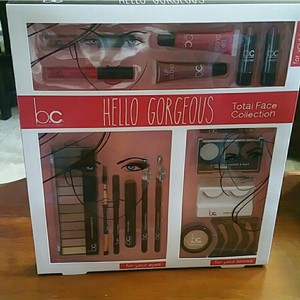 BCG BC Hello Gorgeous total face collection