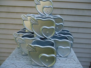 Sweet Romance Silver with A Hint Of Sparkle Heart Vases Reception Decoration
