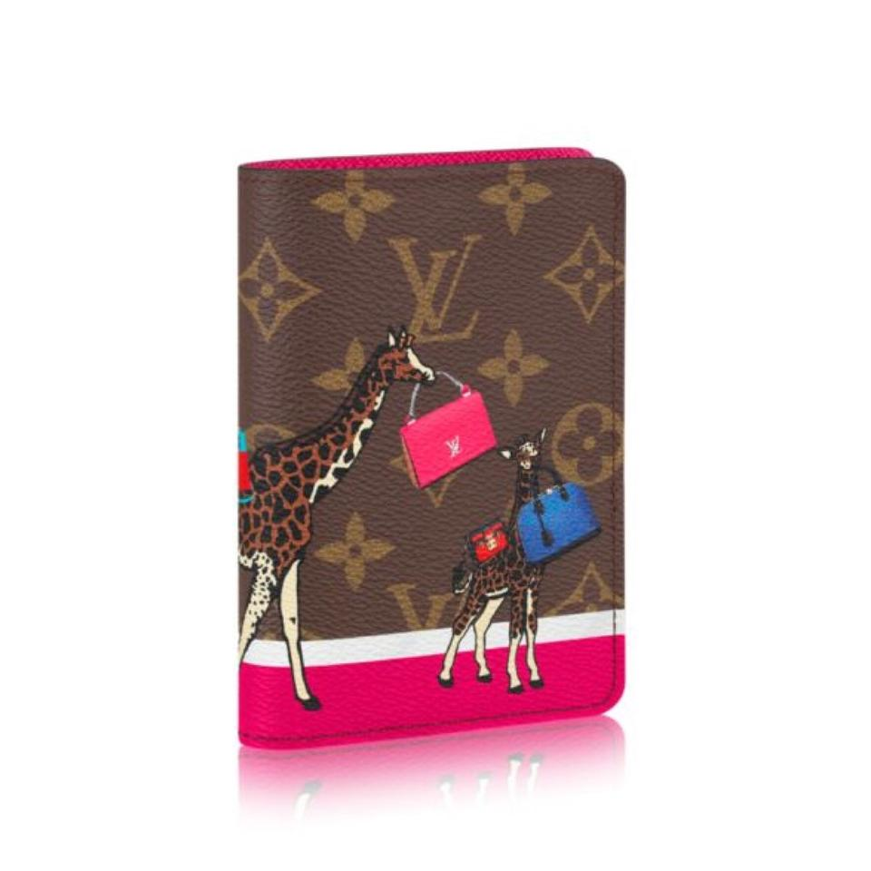a5d1b0237af Louis Vuitton NEW 2017 Limited Holiday Christmas Giraffes Monogram Passport  Cover Image 0 ...