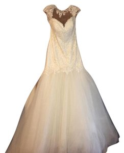 Casablanca Ivory Lace & Tulle Daffodil 2237 Feminine Wedding Dress Size 10 (M)