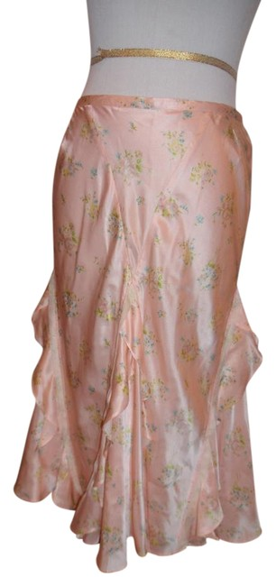 Preload https://img-static.tradesy.com/item/22300719/pale-pink-silk-blend-flair-perfect-for-all-occasions-knee-length-skirt-size-8-m-29-30-0-1-650-650.jpg
