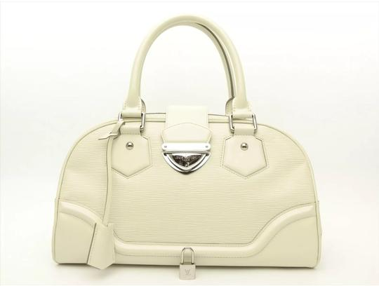 Preload https://item2.tradesy.com/images/louis-vuitton-montaigne-gm-ivory-epi-leather-tote-22303186-0-33.jpg?width=440&height=440