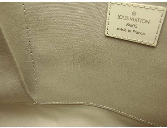 Louis Vuitton Tote in ivory Image 9