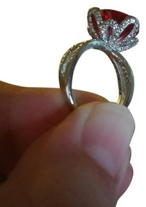 Jared Spectacular Huge Red Gem Jewel Encrusted Crown WG/Silver Tone Ring