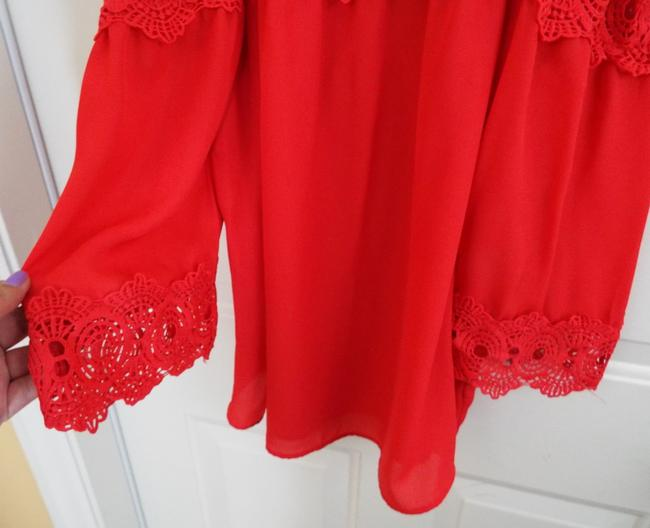 by&by Boho Crepe Eyelet Flowy Cold Shoulder Top coral Image 9