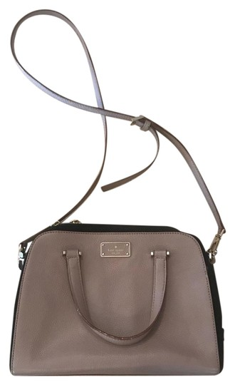 Preload https://img-static.tradesy.com/item/22305781/kate-spade-boxy-cross-body-tote-blush-leather-satchel-0-1-540-540.jpg