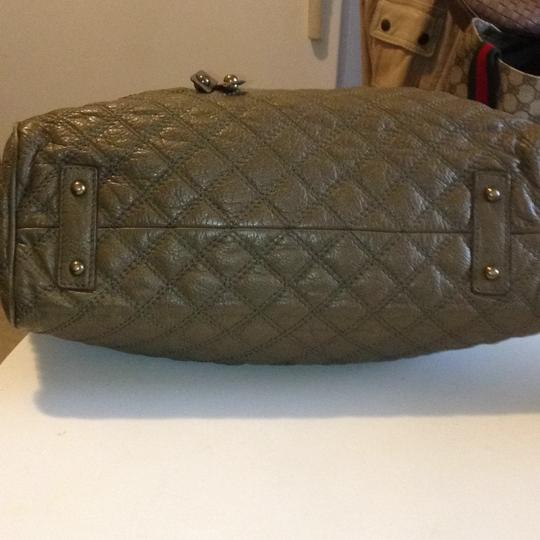 Marc Jacobs Satchel in olive green