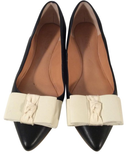 Preload https://img-static.tradesy.com/item/22306315/jcrew-black-bow-flats-size-us-65-regular-m-b-0-1-540-540.jpg