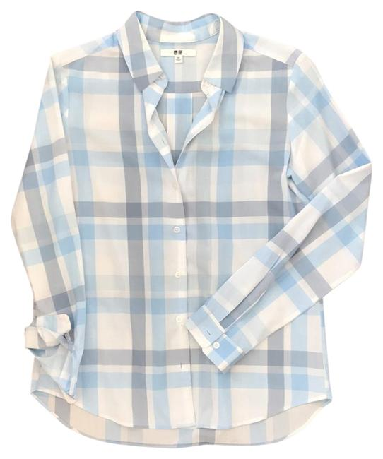 Preload https://img-static.tradesy.com/item/22306319/uniqlo-blue-plaid-button-down-top-size-2-xs-0-1-650-650.jpg