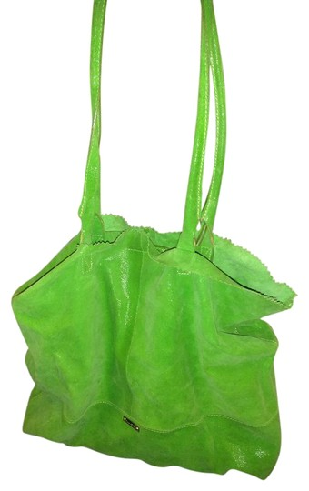 Preload https://img-static.tradesy.com/item/22307926/made-in-italy-large-bright-green-leather-tote-0-1-540-540.jpg