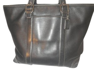 Coach Tote in Black leather