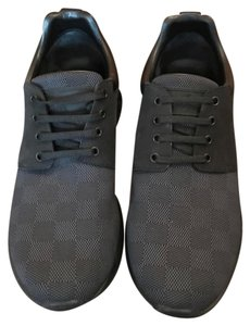 1a89132589a5 Louis Vuitton Men s Shoes - Up to 70% off at Tradesy