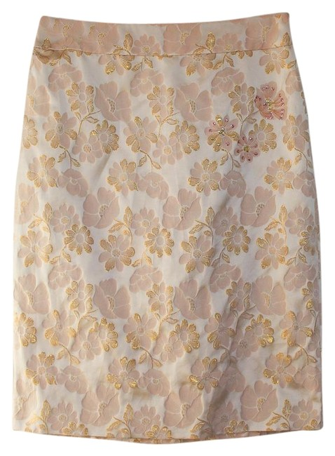 Preload https://img-static.tradesy.com/item/22309003/banana-republic-pink-silk-brocade-knee-length-skirt-size-8-m-29-30-0-4-650-650.jpg