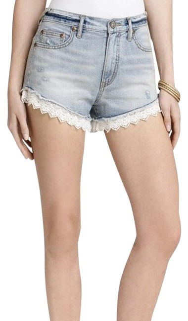 Item - Light Blue Wash With White Lace Trim A Must Have From Denim Shorts Size 26 (2, XS)
