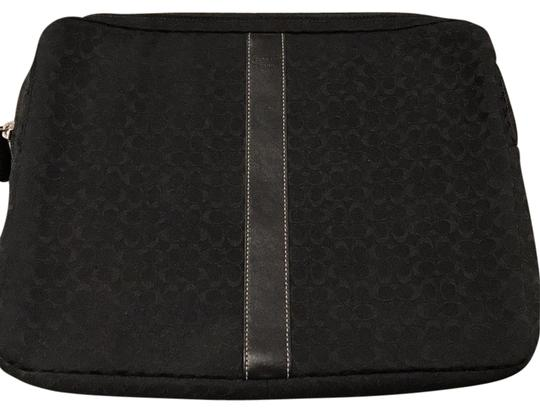 Preload https://img-static.tradesy.com/item/22312695/coach-cc-monogram-black-laptop-bag-0-1-540-540.jpg