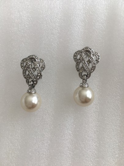 Other Antique Style Pearl Earrings Image 2