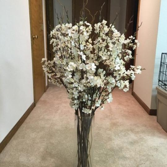 Preload https://img-static.tradesy.com/item/22322671/as-pictured-floral-centerpiece-0-0-540-540.jpg
