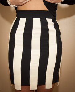 Moschino #mochinocoutrue #blackcreamskrit #vintage Mini Skirt Black & Cream Stripe