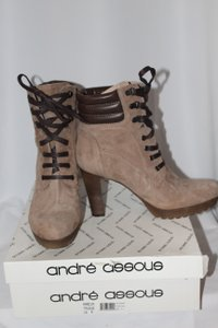 Andre Assous Trausue Boots