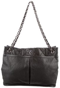 ff3344df22b3 Chanel Gst Classic Flap Grand Shopping Natural Beauty Calfskin Leather Tote  in Black