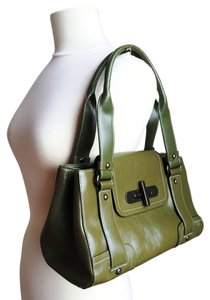 Kenneth Cole Reaction Genuine Leather Flap Crinkle Leather Satchel in Green