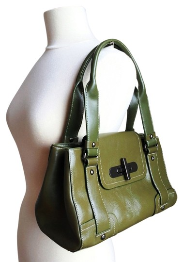 Preload https://item3.tradesy.com/images/kenneth-cole-reaction-genuine-flap-green-leather-satchel-2232697-0-2.jpg?width=440&height=440
