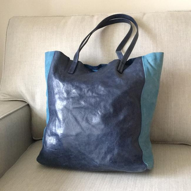 Item - Navy and Cerulean Leather Tote