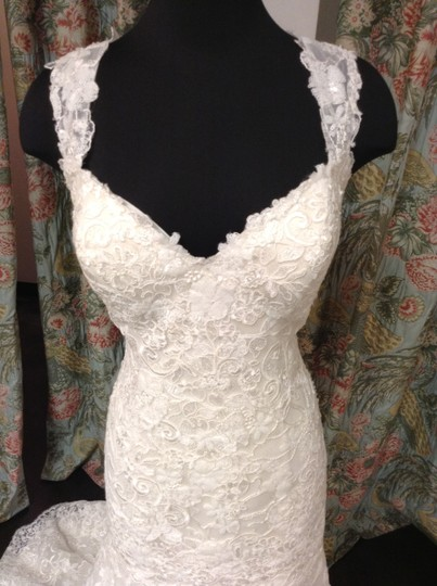 Essense of Australia Ivory Lace Over Oyster Lining D1729cr Feminine Wedding Dress Size 16 (XL, Plus 0x)