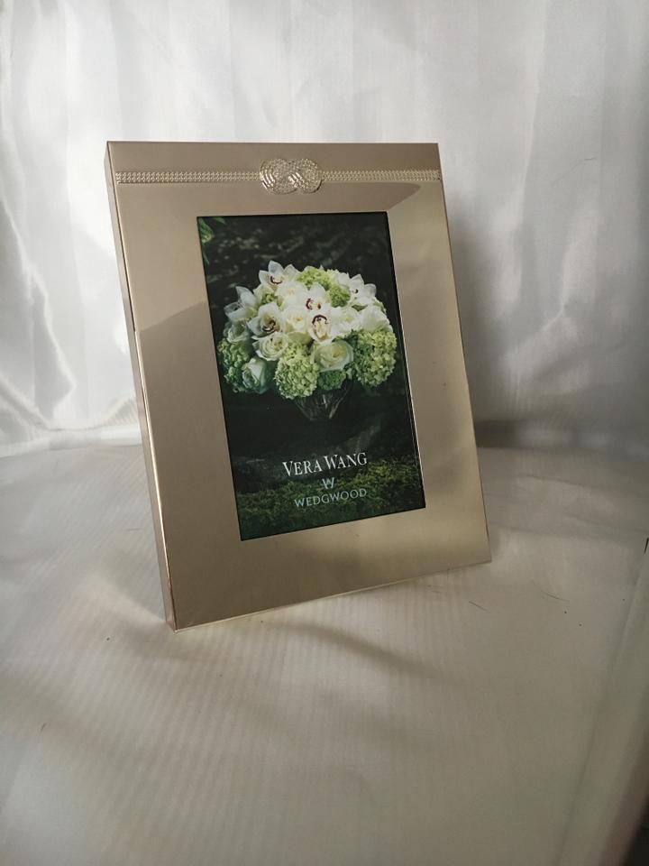 Silver Vera Wang Wedgewood Vera Infinity 4x6 Picture Frame Tradesy