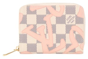 Louis Vuitton Tahitienne Rose Zippy Wallet