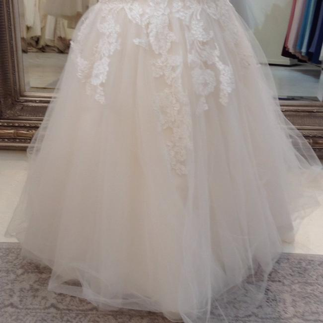 Jim Hjelm Ivory/Oyster Lace/Tulle 8214 Traditional Wedding Dress Size 8 (M) Jim Hjelm Ivory/Oyster Lace/Tulle 8214 Traditional Wedding Dress Size 8 (M) Image 5