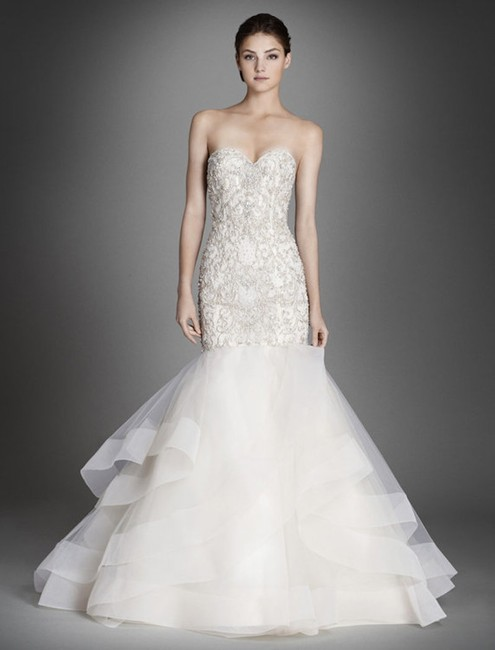 Item - Ivory/Silver Heading/Tulle 3553 Formal Wedding Dress Size 8 (M)